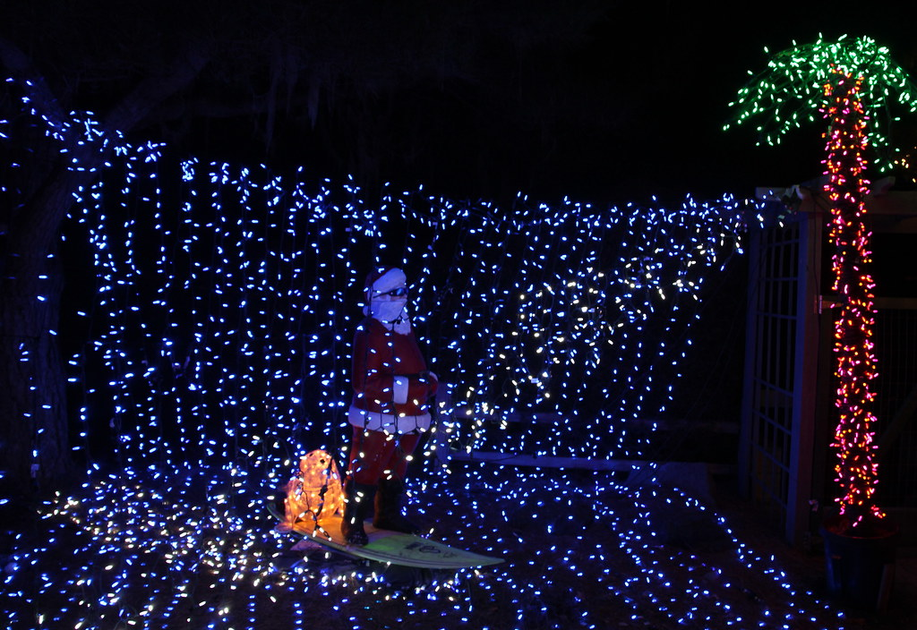Cambria Christmas Market.Surfin Santa In A Wave Of Lights At The Cambria Christmas