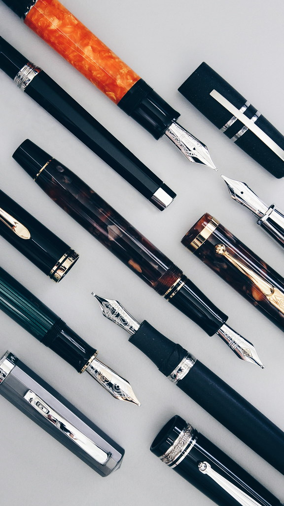 Geometric Fountain Pen Wallpaper Download The Image And En