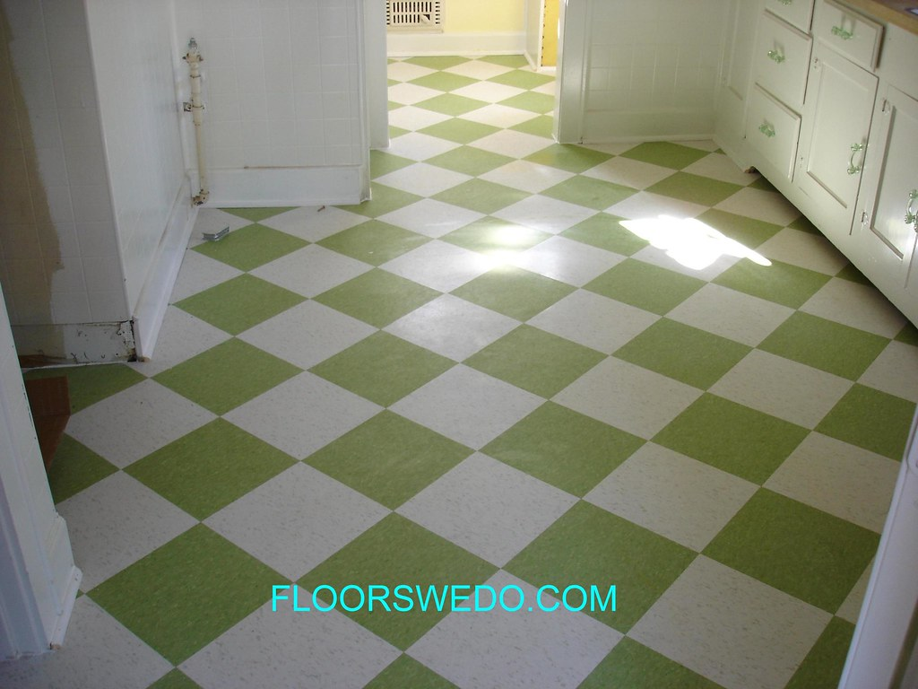 Wondrous Armstrong V C T Tile Installation Two Colors Diomand Pattern Download Free Architecture Designs Licukmadebymaigaardcom