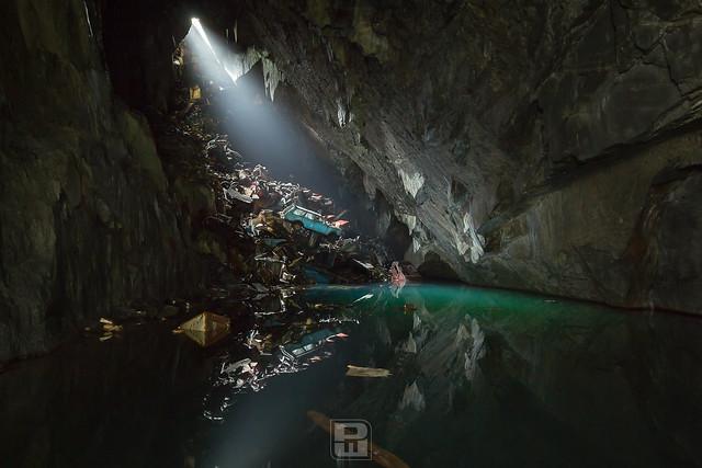 Bat'cave, GBR