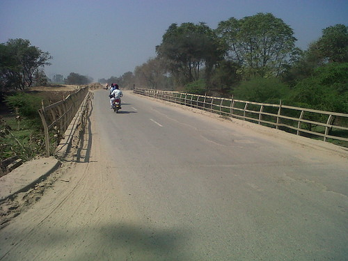 bridge saferoads weakbridge nationalhighwaysindia unsafeconstructionzone forgivingroads