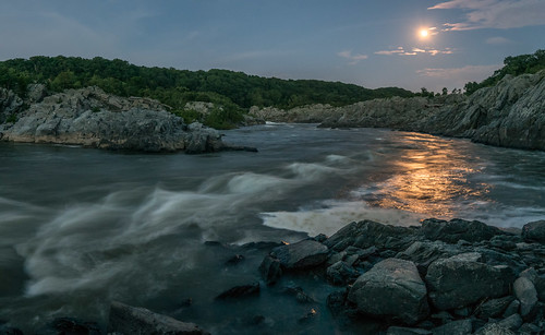 virginia unitedstates greatfalls moonrise potomacriver mclean explored supermoon 1306225931