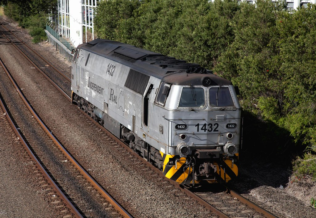 1432 Passing Mascot by Trent