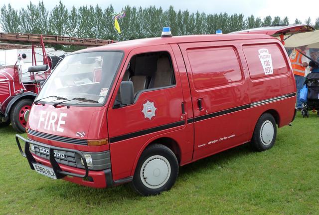 E982HLX Bedford Midi Van Heinz Factory Fire Dept