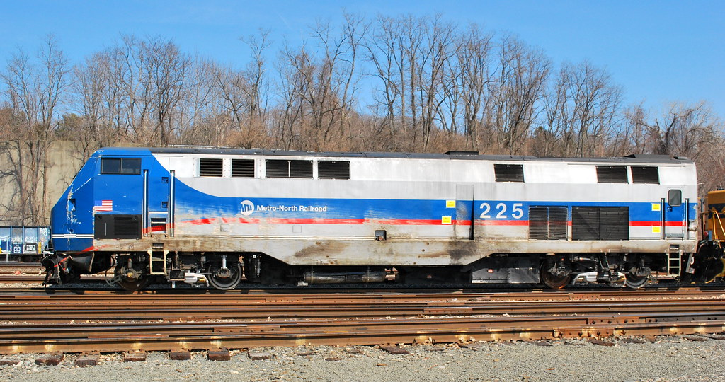 Metro North P32-ACDM #225 | damage received after it deraile… | Flickr
