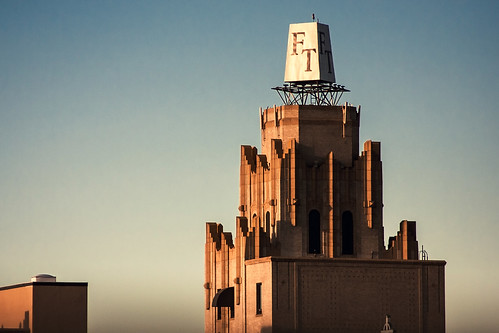 old sunset sunlight detail building architecture facade canon golden historic spire artdeco ornate 30s canon40d tamron70300mm1456