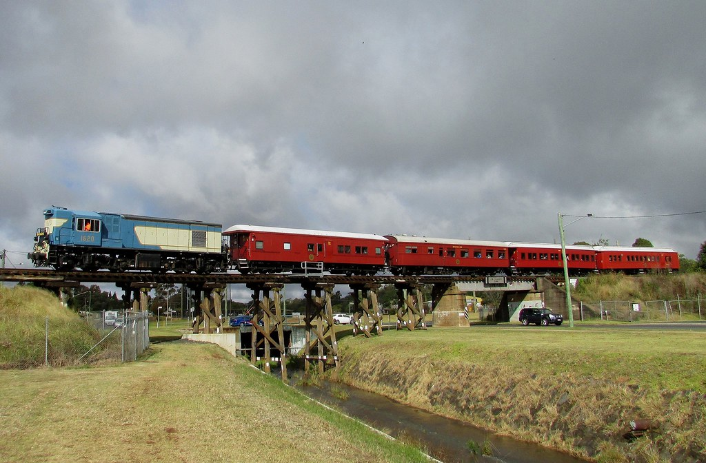 Queensland Rail Heritage - 1620 by Shawn Stutsel