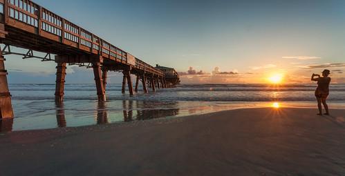 sun beach digital sunrise landscape pier glow florida daytonabeach fineartphotography canonef1740mmf4l canon5dmkii samuelsantiago sunglowfishingpier sammysantiago