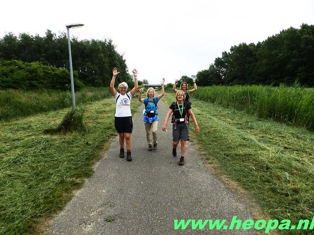 2016-06-11        Almeerdaagse     5e dag 42.5 Km (52)