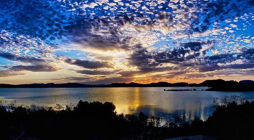 sunset water silhouette clouds reflections blueskies goldenhour reservior goldenglow regionofvalencia embalsedelapedrera callasodesegura