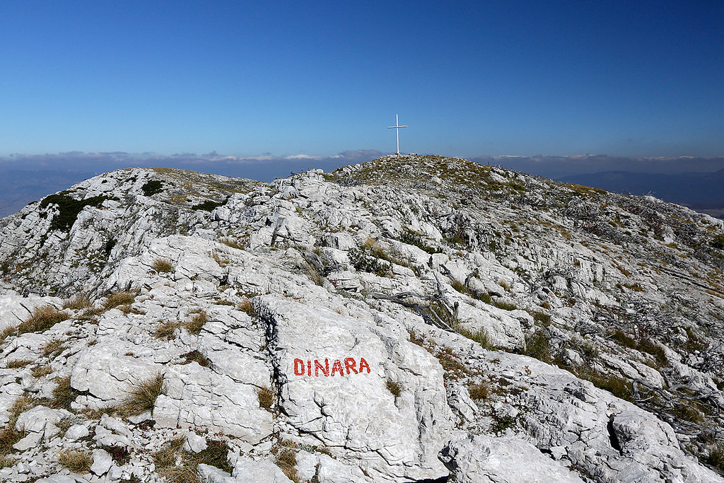 Summit of Sinjal, Dinara