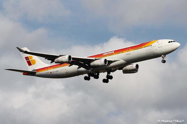 Orly Airbus A340-300 EC-GUP Iberia