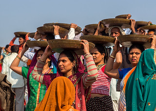 DSC01959 - Women Carrying Trays Overhead (India) | by loupiote (Old Skool) pro