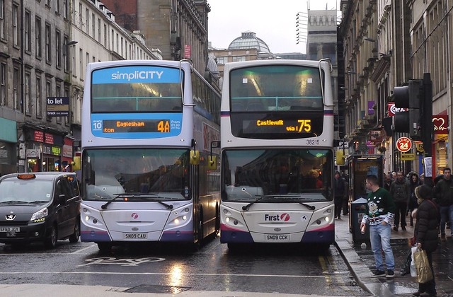 First Glasgow 38201 (SN09CAU) & 38215 (SN09CCK)