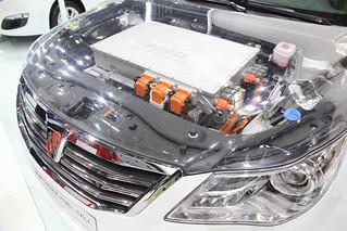 Roewe-950-Fuel-Cell-@-Beijing-Auto-201405