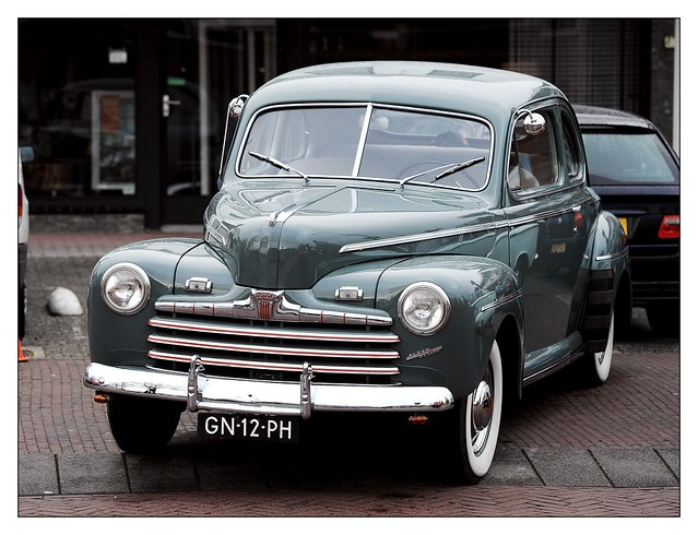 Ford Super de Luxe Coupe / 1946