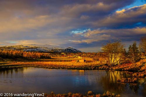 reflection sunrise iceland pond fujixpro2