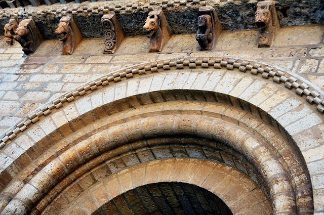 258 - Canecillos - Portada Norte - Iglesia San Martín - Frómista (Palencia) - Spain.