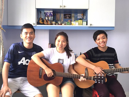Group guitar lessons Singapore Ziying Shawn