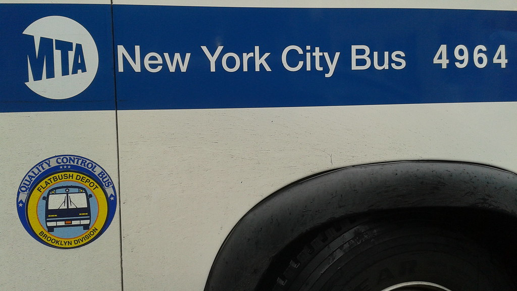 MTA 1998 Nova bus RTS 4964