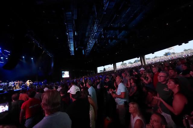 日, 2016-06-12 20:44 - Joe Walsh at BB&T Pavilion