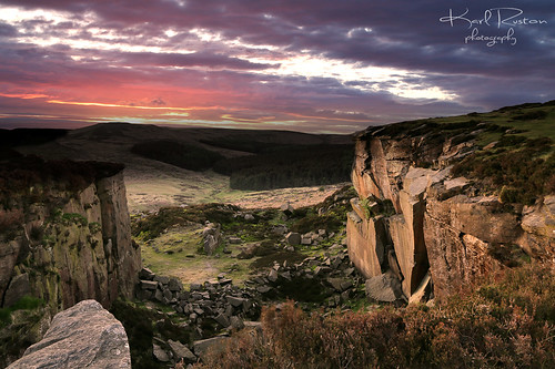 sky house green fall rocks peakdistrict sheffield yorkshire cliffs fox foxhouse canonsunset