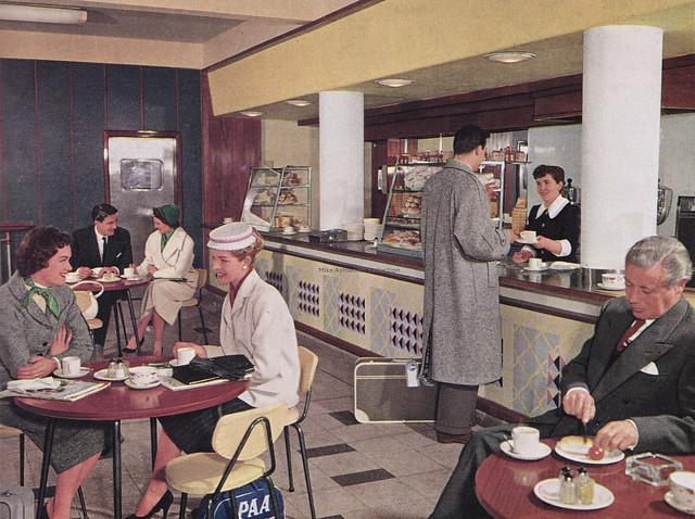 The Royal Scot Bar, Euston station, London, c1957