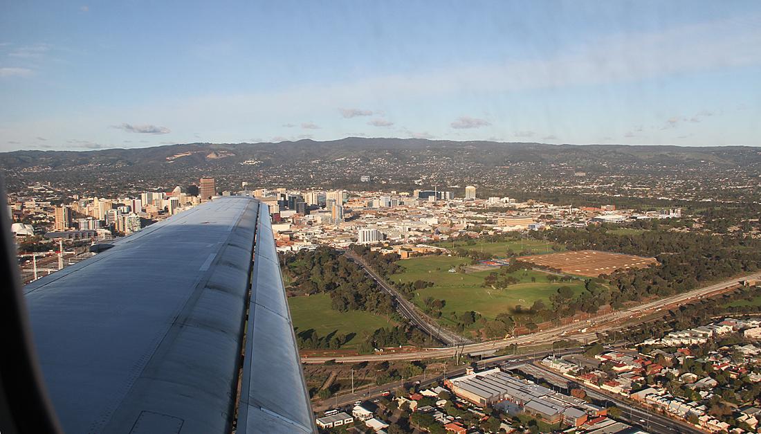 Qantaslink717-23S-VH-NXE-90