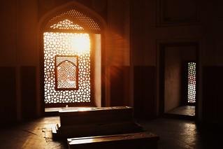 Sunset tomb   by zacdavies