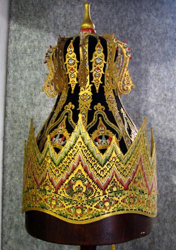 museum indonesia java dance asia theatre culture royal solo crown tradition jawa wayang surakarta kraton keraton new7wonders