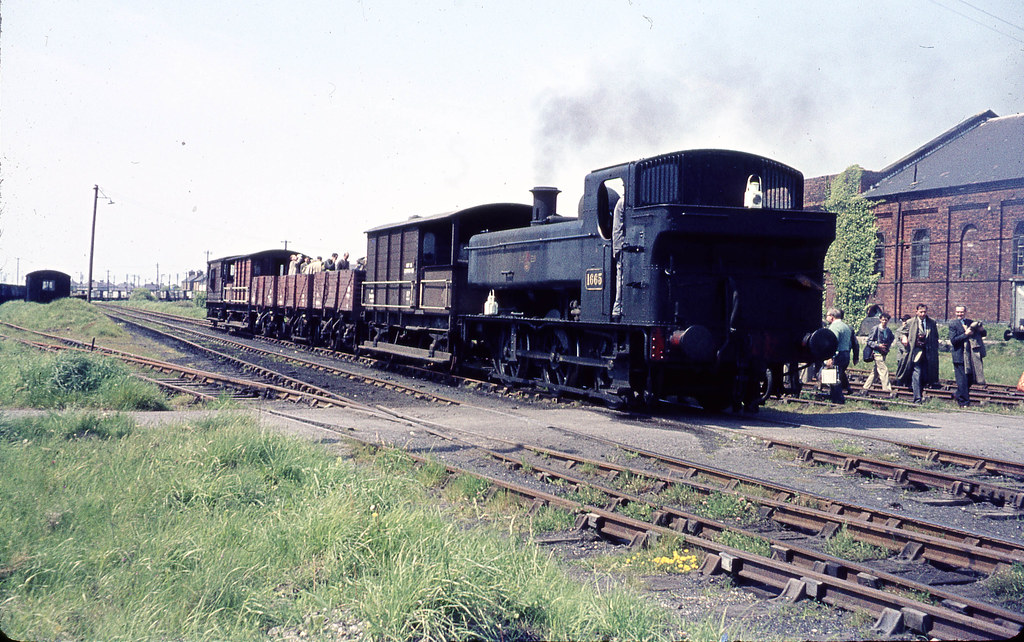 "1665 16th May 1964, SLS ""West Wales Rail Tour - at Burry Port yard"