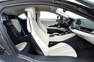 BMW-2014-i8-Int-05