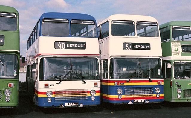 Western National 1224 LFJ 871W + 941 VDV 141S