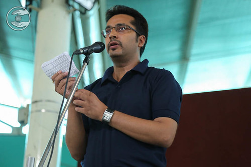 Poem by Atul Dhawa from Sant Nirankari Colony, Delhi