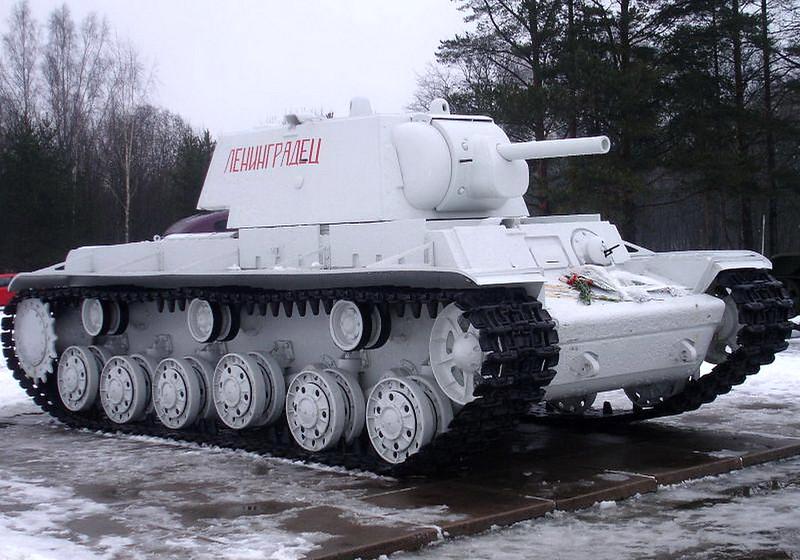 KV-1 Kirovsk (1)