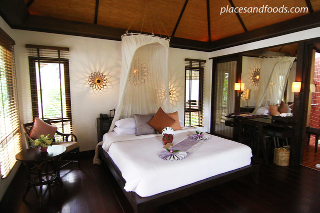 Le Vimarn Cottages and Spa honeymoon suite