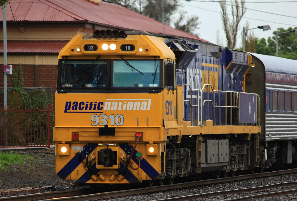 9310 on the head of the Overland in Horsham by bukk05
