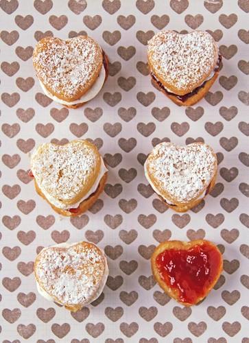Classic Victoria Sponge Cakes | by femmefraiche