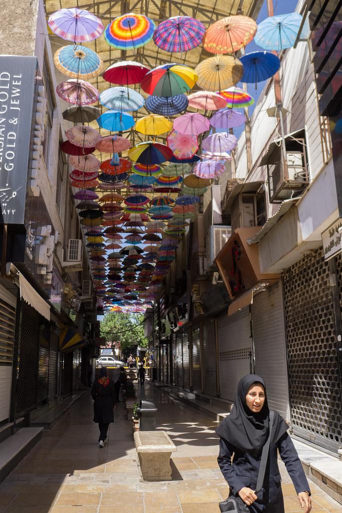 Rue commerçante à Shiraz