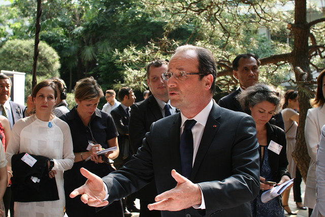 French President answers Ayumi's question