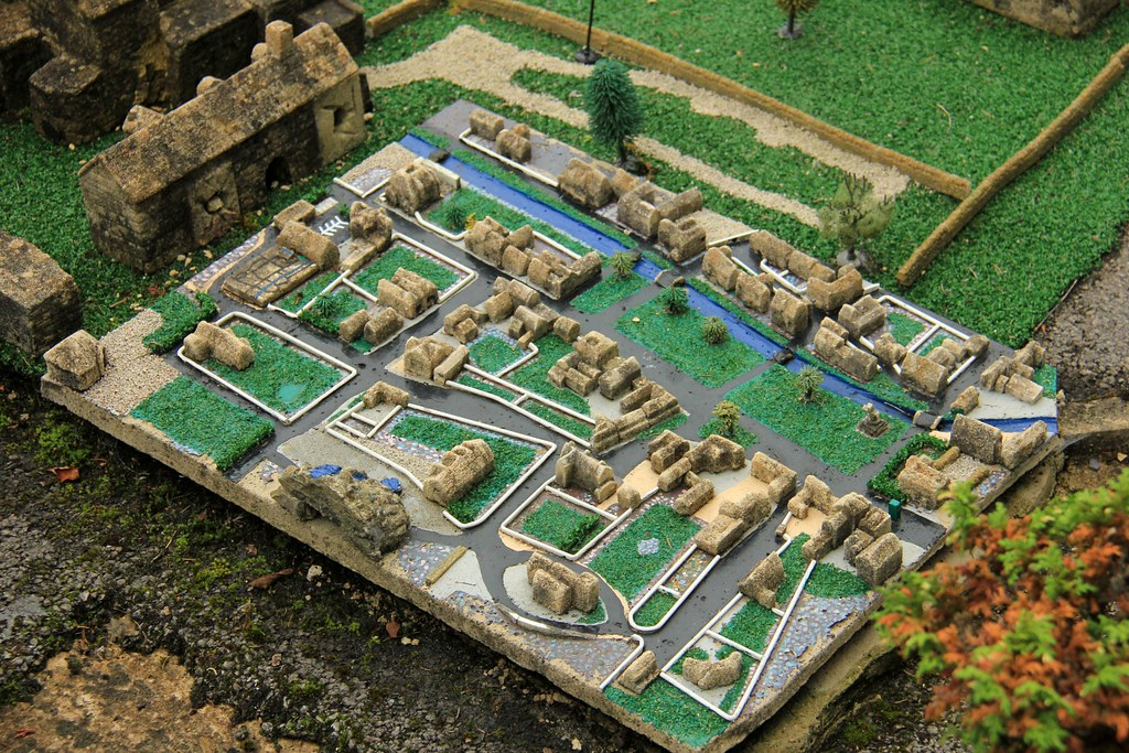The Model Village at Bourton-on-the-Water 23-09-2013