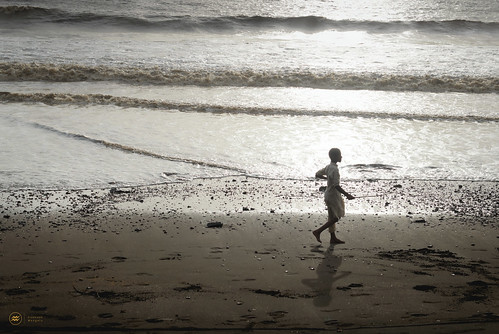 sea beach sunshine walking children kid waves alone glare child seashore dahanu dahanubeach