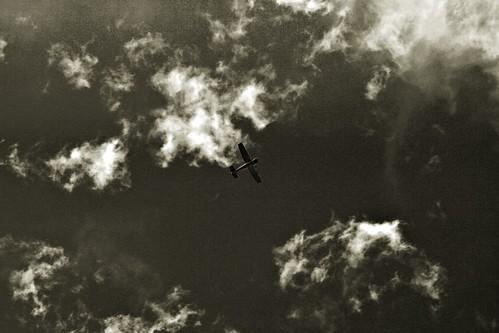 sepia clouds plane grain noise ©tylerknottgregson