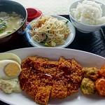 lunch:『ゆし豆腐定食』 @『おんなの駅 なかゆくい市場』(沖縄県恩納村) これで500円とか価格設定おかしい。