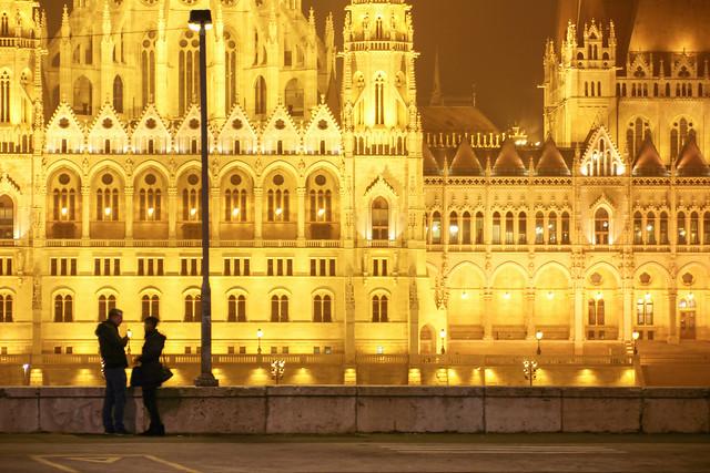 Night scene on the Batthyány square 2