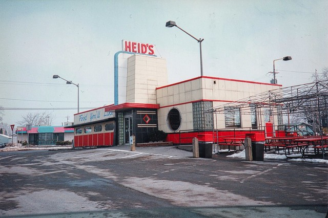 Heids ~ Liverpool Ny ~ Drive In Diner ~ Landmark ~ OLd 35mm Film