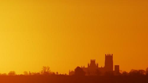 uk sky sunrise cathedral ely fens cambridgeshire eastanglia elycathedral shipofthefens