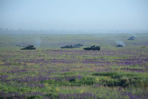 ато війна бтр мі24 сау зсу механізована бриигада акація тунгуска бпла полігон армія військовослужбовці бмп пехота танкисты танк