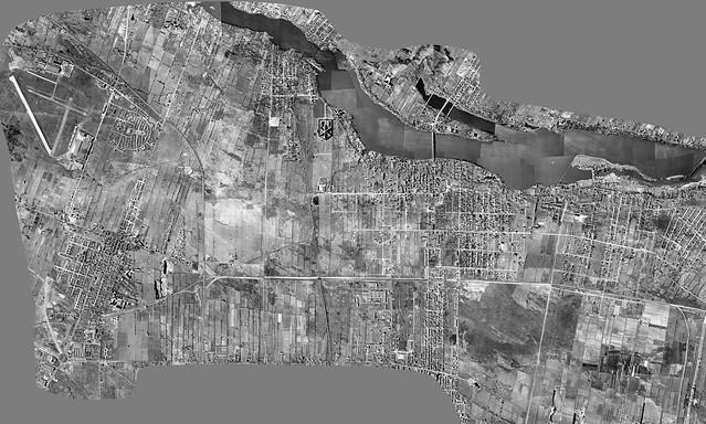 Quartiers du nord de Montréal,  vue aérienne 1947, fichier 20591 x 12362 pixels