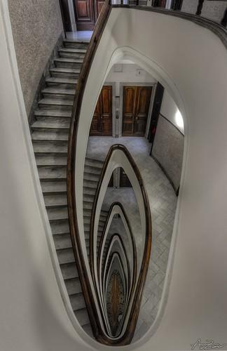 Genova, spiral staircase 2014-06-23 181718